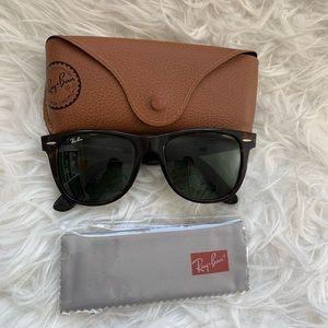 New Ray-ban tortoise wayfarer sunglasses with case